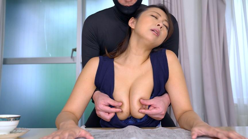 乳首フェチの極み動画!ビーチク責めが日常にある不思議な世界観がめちゃエロ!