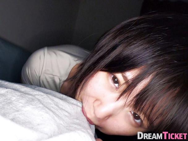 【深田結梨】男の部屋で一晩中チクビを弄りセックス三昧の美少女でチクニーがはかどりすぎる!