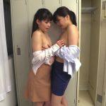 会社のロッカールームで繰り広げられるOL同士の乳首観察からの弄り合い舐めレズプレイ
